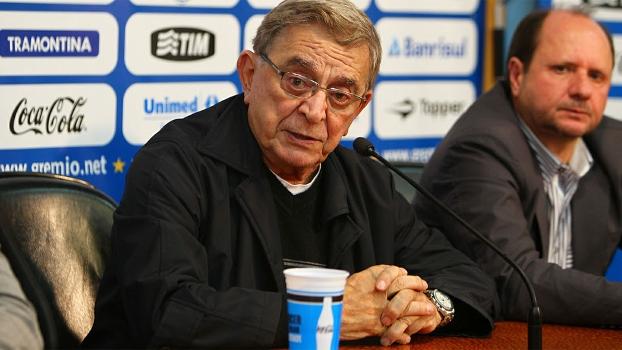 Fábio Koff, durante a entrevista coletiva após a demissão de Vanderlei Luxemburgo