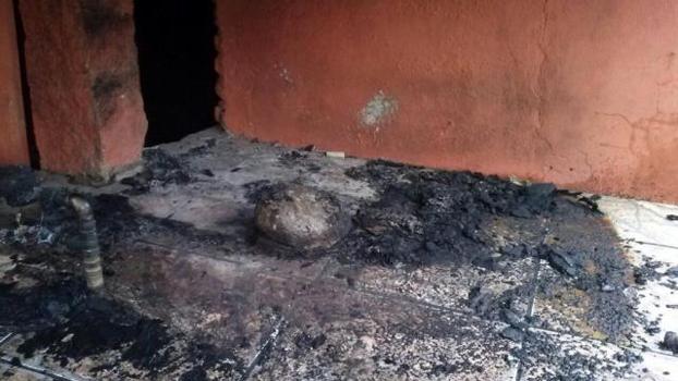 Incêndio Casa Patrícia Moreira Grêmio Torcedora Racismo Aranha 12/09/2014