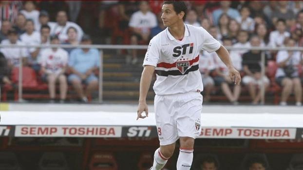 Pato no Corinthians  60% sobre ele vale o mesmo que rivais pagaram ... 8d76e7b93dbfd