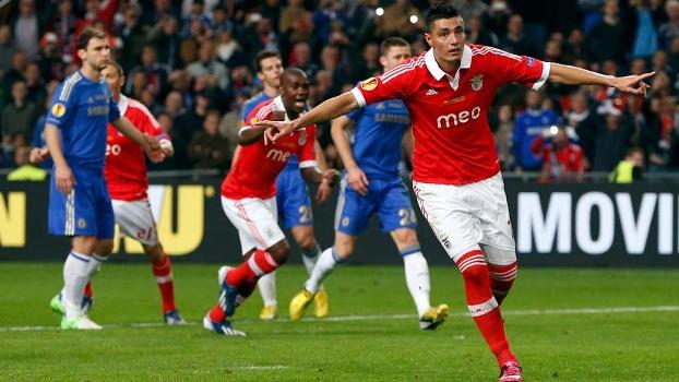 Oscar Cardozo comemora gol do Benfica na final da Europa League