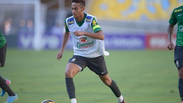 Aos 21 anos, o atacante Neymar é a principal estrela da seleção brasileira