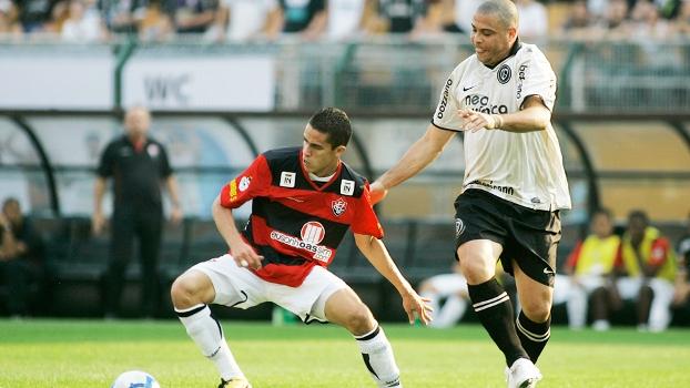 Gabriel Paulista Vitória Ronaldo Fenômeno Corinthians Campeonato Brasileiro 29/08/2010