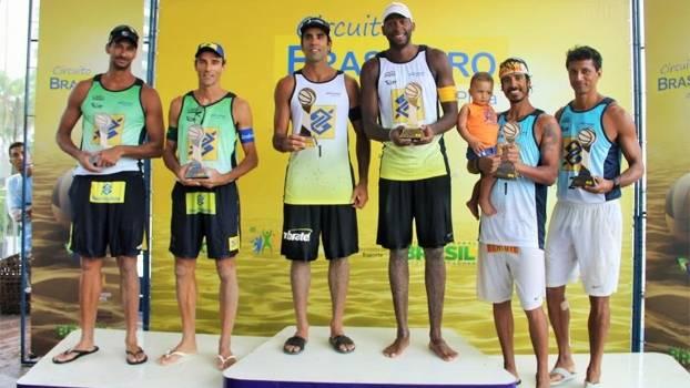 Evandro e Pedro Soldberg ocuparam o lugar mais alto do pódio na etapa de Jaboatão