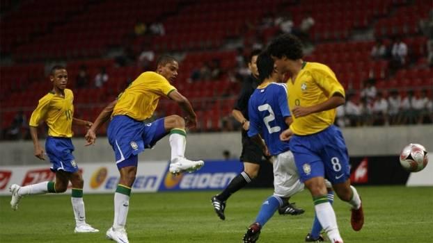 Gerson ao lado de Neymar: tempos de 'presidente'