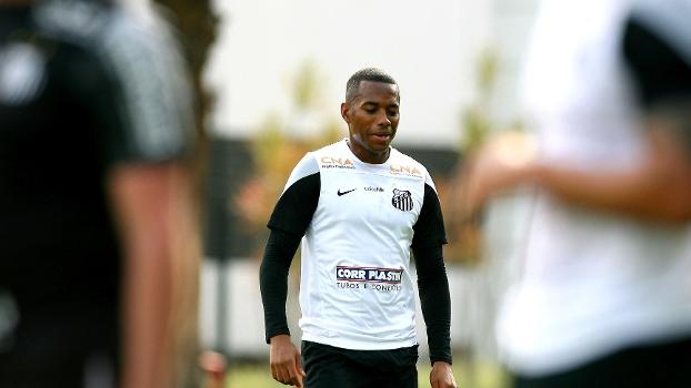 Robinho, durante treino do Santos nesta terça-feira