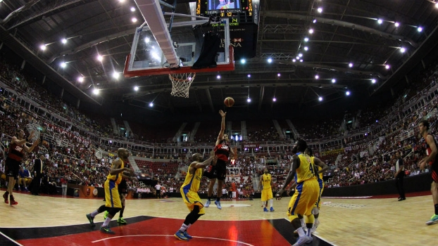 Final do mundial de clubes de basquete, entre Flamengo e Maccabi Tel Aviv