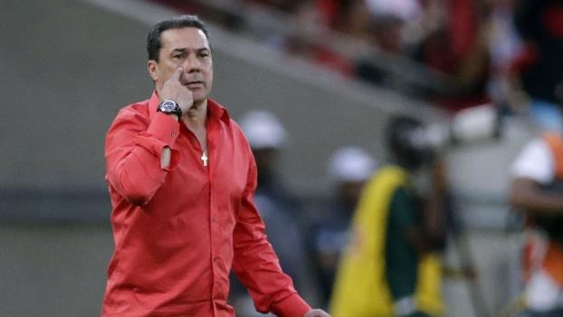 Para Luxemburgo, posição na tabela atrapalha no rendimento de jogadores do Flamengo