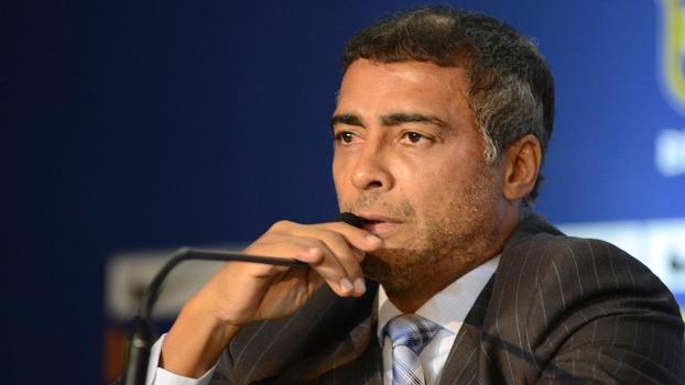 Romário criticou duramente a contratação de Gilmar Rinaldi