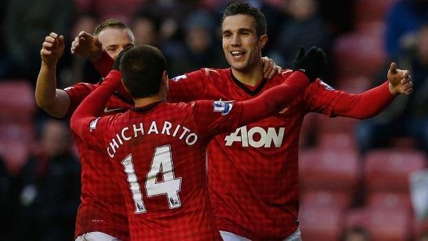 Chicharito e Van Persie foram os destaques da goleada do Manchester United sobre o Wigan