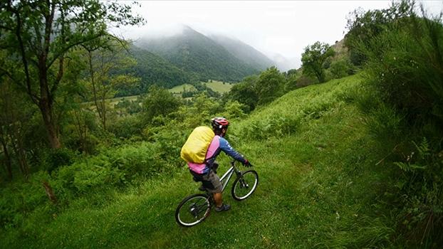 De Les a Aspet na Travessia dos Pirineus | Aventuras com Renata Falzoni