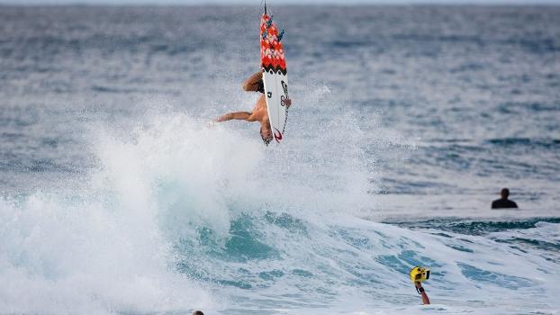 Gabriel Medina acertou seu primeiro backflip, manobra aumenta expectativa sobre surfista brasileiro para 2013
