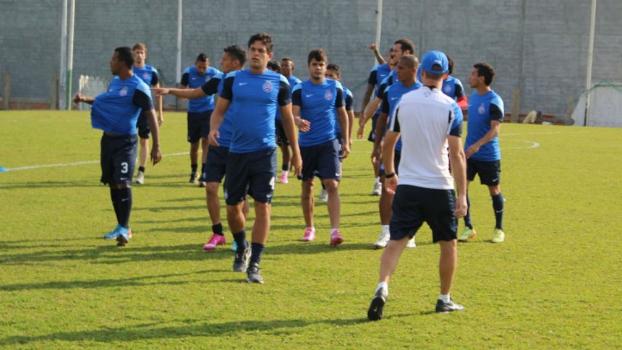 BJogadores do Bahia durante treino