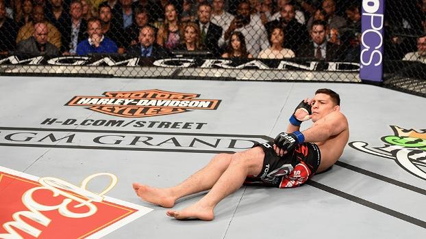 Nick Diaz até se deitou em uma das cenas mais extravagantes da história do UFC