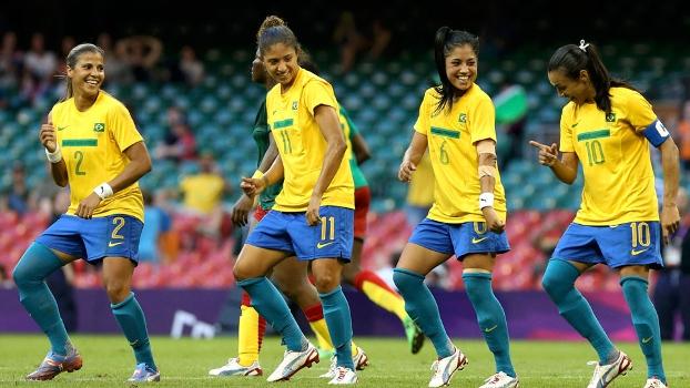 olimpiada_futebolfeminino_brasil_marta_dança_reuters_25072012
