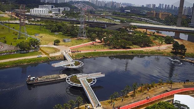 A ponte deve beneficiar a vida de cerca de 15 mil pessoas.