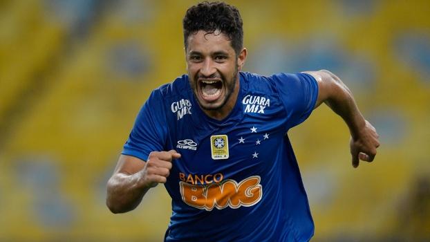 Léo terá o seu contrato renovado com o Cruzeiro