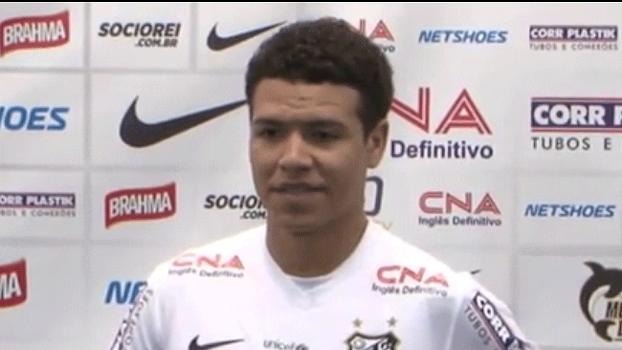 Marquinhos Gabriel chega ao Santos em busca de recomeço no Brasil