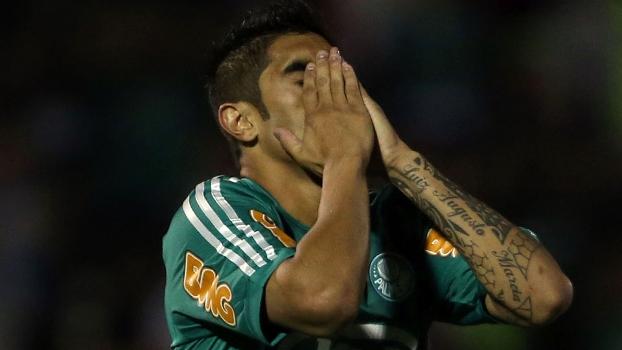 Luan, do rebaixado Palmeiras, lamenta oportunidade de gol perdida