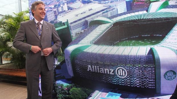 Paulo Nobre, presidente do Palmeiras, durante entrevista coletiva para falar sobre