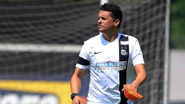 Claudinei Oliveira levou o Santos à sétima posição do Campeonato Brasileiro
