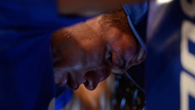 Cigano ao fim da luta com Velasquez: derrota, tristeza, perda do cinturão e susto