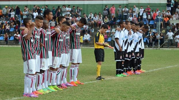 Jogadores de Fluminense e Vasco brigaram em campo depois de final no Carioca sub-17