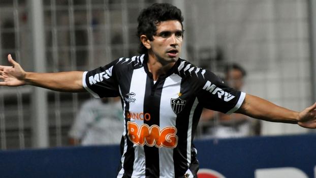 Como Ronaldinho ainda não acertou novo contrato com Atlético, Guilherme segue sendo o titular