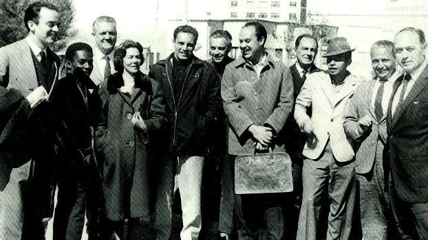 Joel Rufino e o político José Serra (à esq. da foto) durante o período de exílio na Bolívia