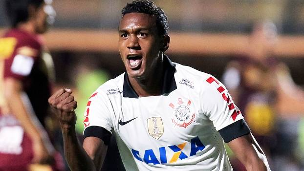 Edenilson Comemora Gol Corinthians San Jose Libertadores 11/04/2013