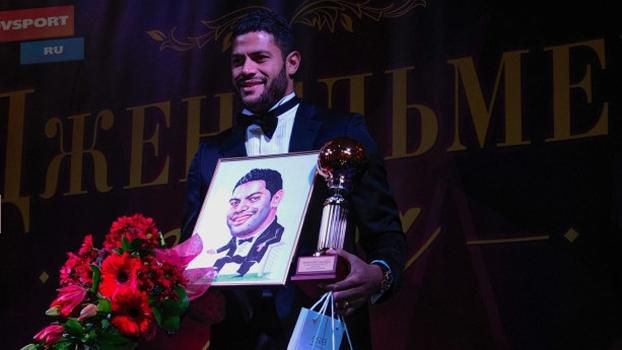 Hulk recebeu o prêmio do jornal Sovetsky Sport