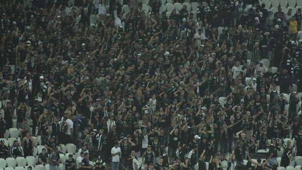 Gaviões da Fiel ficou após o jogo para reclamar dos preços dos ingressos