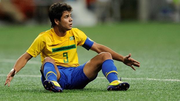 Henrique, que jogou o último Brasileirão pelo Bahia, era o capitão do Brasil no Pan 2011