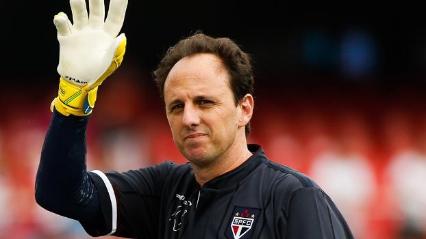 Na despedida de Kaká, quem chamou a atenção foi Rogério Ceni com falha bizarra