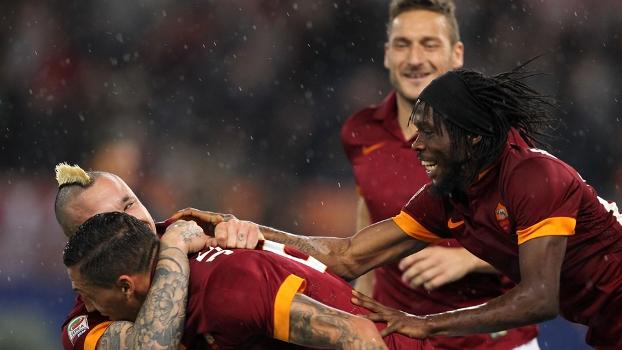 Roma tenta seguir a apenas um ponto da líder Juventus