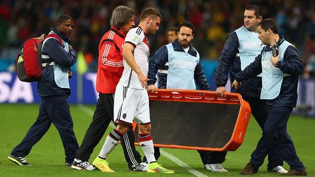 Zagueiro Shkodran Mustafi sofreu lesão muscular nas oitavas de final entre Alemanha e Argélia