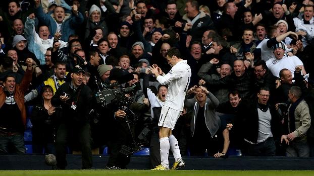 Bale foi eleito o melhor jogador e melhor jogador jovem do Campeonato Inglês