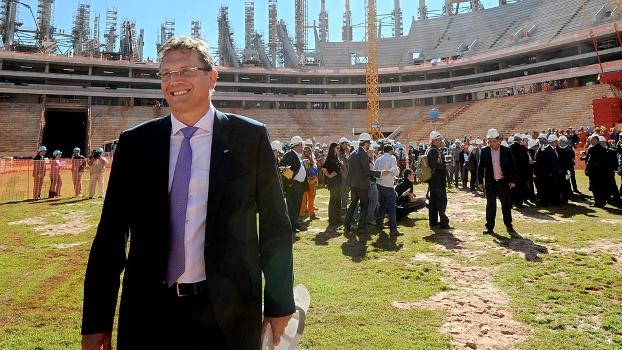 Jerome Valcke, secretário-geral da Fifa, em visita às obras de Brasília para a Copa do Mundo