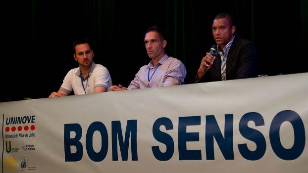 Roberto, Fernando Prass e Dida durante apresentação dos planos do Bom Senso FC em São Paulo