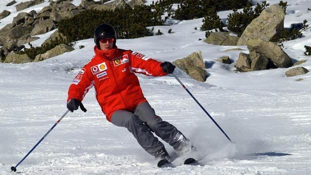 Heptacampeão mundial de Fórmula 1 Michael Schumacher esquia no norte da Itália, 13 de janeiro de 2005