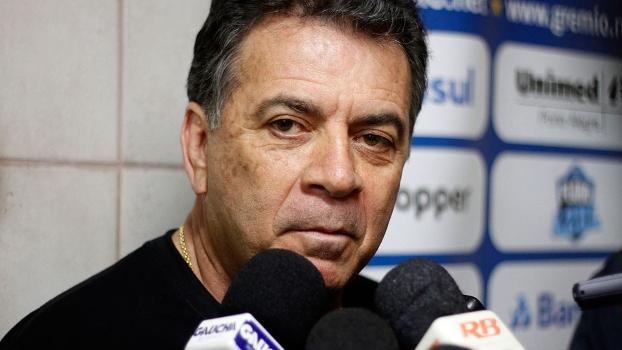 Paulo Pelaipe, diretor executivo do Grêmio, foi detido no Engenhão por ofensa racial