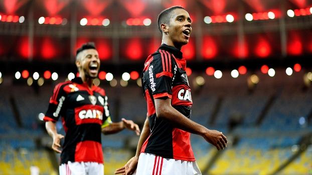 Gabriel Comemora Gol Flamengo Internacional Campeonato Brasileiro 22/09/2014