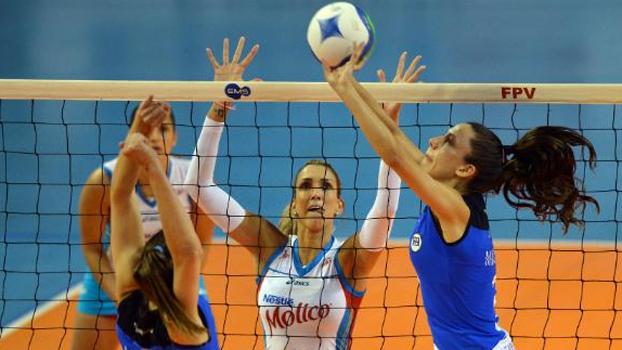 Pinheiros venceu a primeira semifinal nesta terça-feira