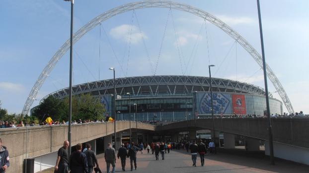 Finais do futebol em 2012 serão no novo Wembley