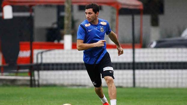 Com contrato no Santos até 2017, Mena é pretendido pelo Boca Juniors