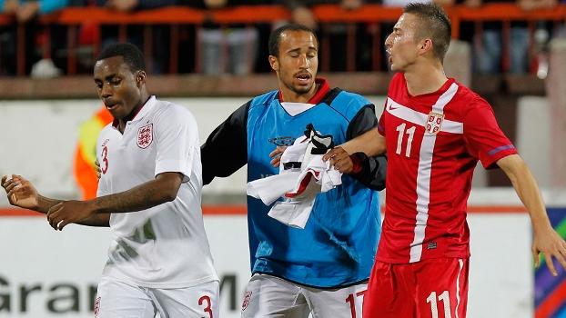 Jogador da Inglaterra sub-21 se revolta com torcida racista na Sérvia