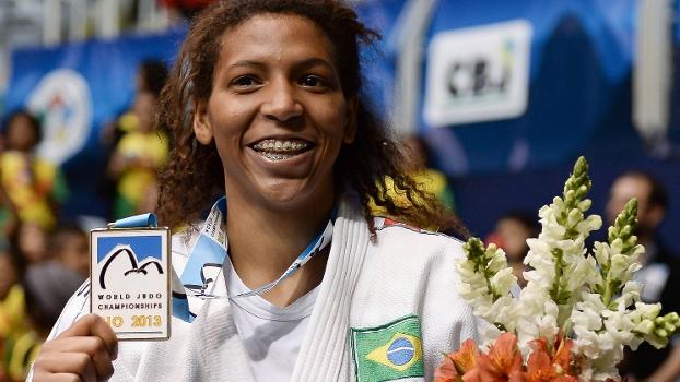 A brasileira Rafaela Silva ganhou a medalha de ouro no Mundial de judô, nesta quarta, no Rio