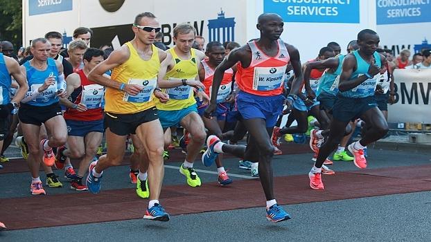 Maratona de Berlim - Wilson Kipsang na liderança desde a largada