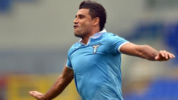 O brasileiro Ederson marcou para a Lazio contra o Siena