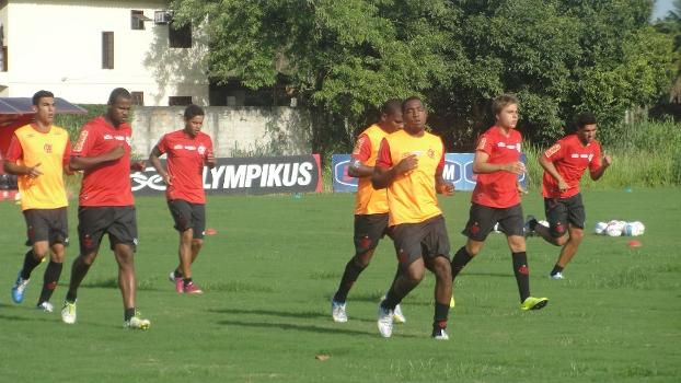 Sem ausências, Fla se reapresenta e Carlos Eduardo treina no grupo principal