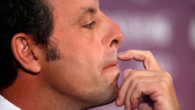 À junta diretiva, Sandro Rosell vai abrir mão da presidência do Barcelona
